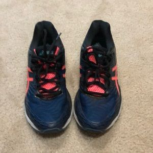 ASICS running shoes, size 8 1/2